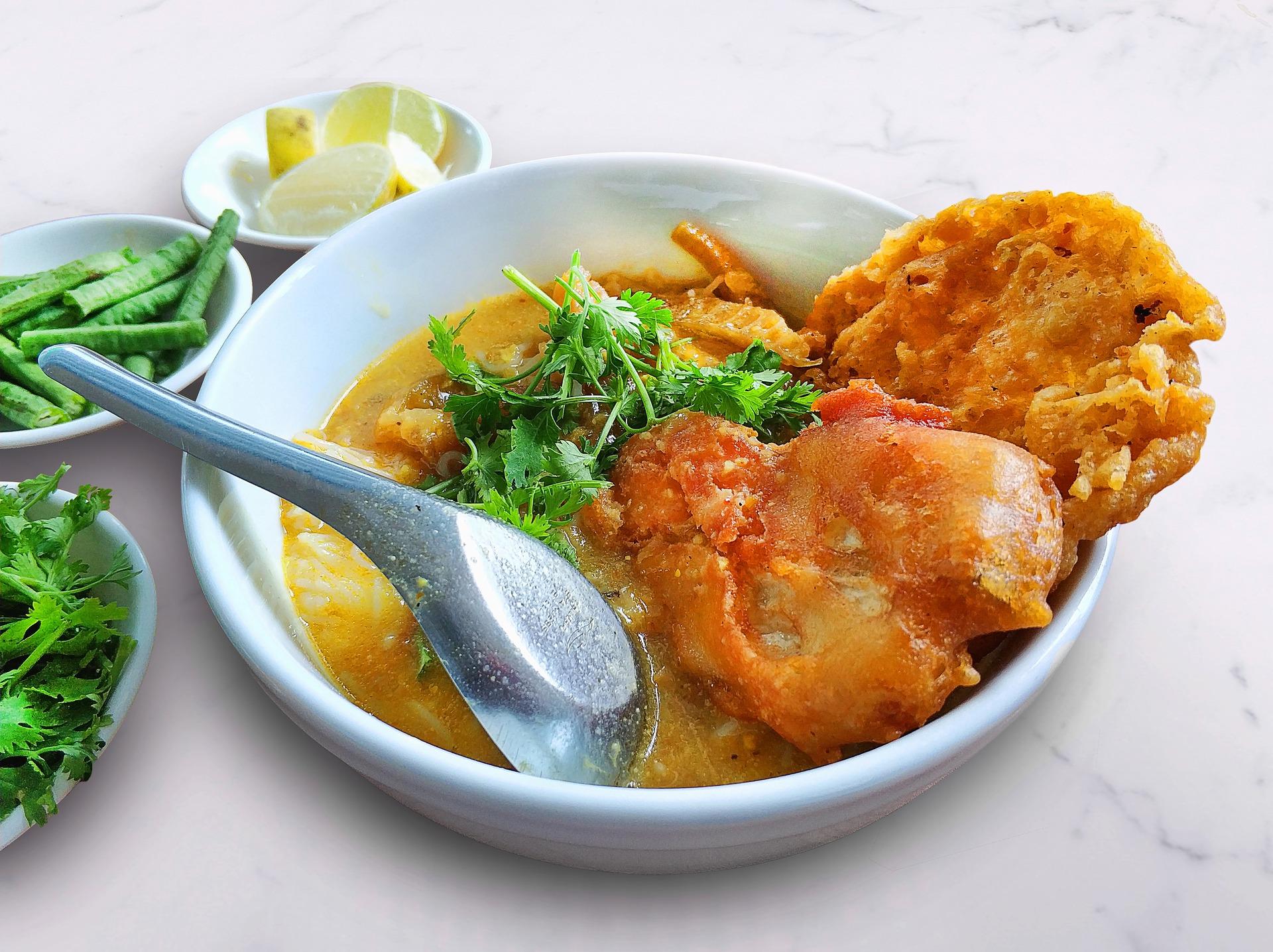 Asiatisches Essen 2 Go und Lebensmittel